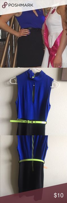 F21 Royal blue, green & black slit dress w/ belt F21 Forever 21 Small sexy little blue & black dress with lime green accents. Green belt & green contrast zipper up the back. Peekaboo cleavage slit on top. Form fitting but not tight. (If that makes sense??) Perfect paired with some booties for going out! Worn once. Forever 21 Dresses Mini
