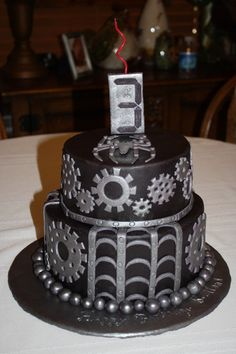 "Venom (Spiderman) Steampunk in ""2010 Steampunk Cake Contest"" — Photo 2 of 2"