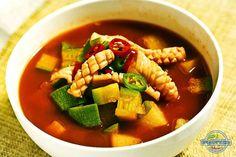 해장국으로 손색없는 초간단 오징어무국 만들기 – 레시피 | 다음 요리 Korean Food, Cooking, Ethnic Recipes, Board, Kitchen, Korean Cuisine, Brewing, Cuisine, Planks