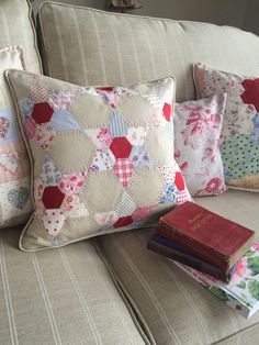 HenHouse: handmade cushion based on the jewel star design.