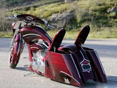 Arlen Ness custom bagger... sweet!  Arlen Ness.  One from the Godfather of motorcycle cool.
