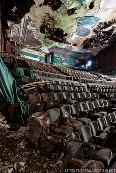 Abandoned Paramount Theatre, Youngstown, Ohio by Matt Lambros Abandoned Buildings, Abandoned Property, Abandoned Mansions, Old Buildings, Abandoned Places, Abandoned Castles, Abandoned Ohio, Magic Places, Paramount Theater