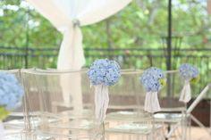 バージンロードの装花 青のあじさい 日比谷パレス様へ : 一会 ウエディングの花
