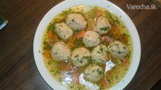 Macesové knedličky sa dávajú do Zlatej slepačej polievky - Goldene joich. Sú spájané so židovským sviatkom Pesach, čo je židovská Veľká noc, ale pripravujú sa aj kedykoľvek inokedy. Dakujem židovskému šéfkuchárovi, ktorý ma ich naučil variť, ako aj za jeho láskavý súhlas ich recept uverejniť. Potato Salad, Potatoes, Chicken, Meat, Ethnic Recipes, Food, Potato, Essen, Yemek