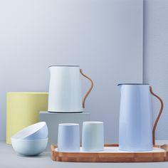Stelton Emma vacuum jug for tea, light grey | Stelton Emma | Coffee & Tea | Tableware | Finnish Design Shop