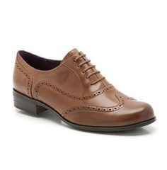 Women's brogues in tan leather -  http://smartcasualdress.co.uk/home-page/smart-casual-dress-code-for-women