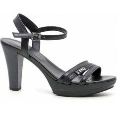 Sandali neri Nero Giardini con tacco  #sandali #sandals #heels #tacchi #womanshoes #fashion #mood #trend #shoes2014 #scarpedonna #shoes #scarpe #calzature #moda #woman #fashion #springsummer #primaveraestate #moda2014 #springsummer2014 #primaveraestate2014 #nerogiardini