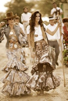 Spanish style – Mediterranean Home Decor Gypsy Style, Boho Gypsy, Bohemian Style, My Style, Fashion Mode, Boho Fashion, Fashion Outfits, Fashion Design, Spanish Dress