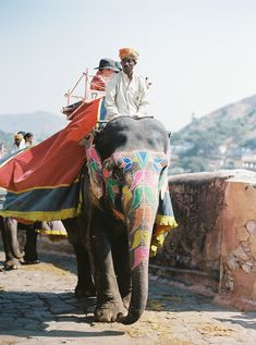 https://flic.kr/p/fhEoC3   Amber Fort - Jaipur   We didn't use the elephants to get to the top opting for two feet instead of four. Apparently it's a very nice experience but the rules that Intrepid follow that are centred on responsible travel don't encourage the use of animals for tourism if that makes sense. Fair enough I get what it's all about but it sure is atmospheric seeing these wonderful giants making there way up the Amber fort.  Wish my framing was more inclusive but I had no…
