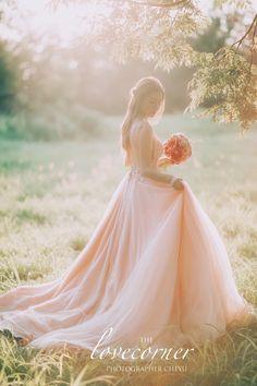 台南婚紗 - 逆光夕陽!加上森林系唯美仙仙風!WD Latin Brides, Bollywood Actress Hot Photos, Gorgeous Wedding Dress, Hottest Photos, Formal Dresses, Wedding Dresses, Ball Gowns, Prewedding Photo, Wedding Photos