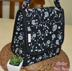 Lunch Bag - Preto Floral | Flickr - Photo Sharing!