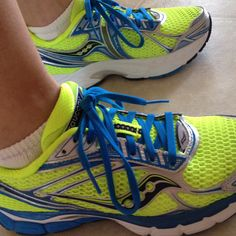 Saucony Triumph 9 - like the colors...and I need (want...) new running shoes