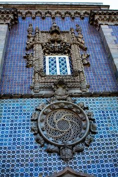 Azulejos and Manueline architecture and design in Portugal at Palacio da Pena, Sintra. Beautiful Architecture, Art And Architecture, Architecture Details, Installation Architecture, Art Nouveau Arquitectura, Sintra Portugal, Famous Castles, Portuguese Tiles, Affordable Home Decor