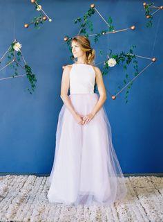 Modern galaxy-inpsired wedding inspiration: http://www.stylemepretty.com/2016/01/13/modern-star-galaxy-wedding-inspiration/ | Photography: The Great Romance - http://thegreatromancephoto.com/