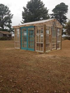 10 Ways to Make a Greenhouse from Old Windows is part of Diy greenhouse - Do you like to collect old windows Maybe you've come across some really neat window panes and just aren't quite sure what to do with them A homemade greenhouse would be a great way… Old Windows, Windows And Doors, Rustic Windows, Recycled Windows, Antique Windows, Vintage Windows, Outdoor Projects, Garden Projects, Diy Projects