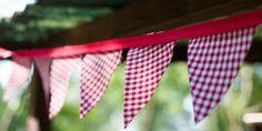 Guirlande de fanions vichy rouge pour mariage |esprit guinguette| : Faire-part par la-mariee-inspiree