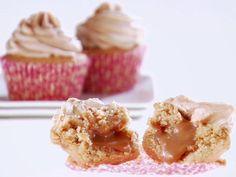 Stuffed Peanut Butter Cupcakes with Swirled Peanut Butter Frosting Recipe : Giada De Laurentiis : Food Network Peanut Butter Cupcakes, Caramel Cupcakes, Baking Cupcakes, Fun Cupcakes, Cupcake Mix, Cupcake Cakes, Frosting Recipes, Cupcake Recipes, Giada Recipes