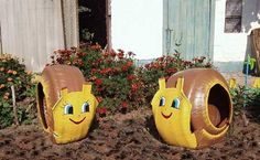 Beautiful friendly snails made from old tyres - perfect for the garden and nursery schools.  The little ones will love them.