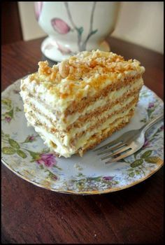 KULINARNE WYSKOKI: Sans Rival - ciasto na wagę złota Sweets Cake, Cupcake Cakes, Sweet Recipes, Cake Recipes, Sans Rival, Polish Desserts, Kolaci I Torte, Different Cakes, Pastry Cake