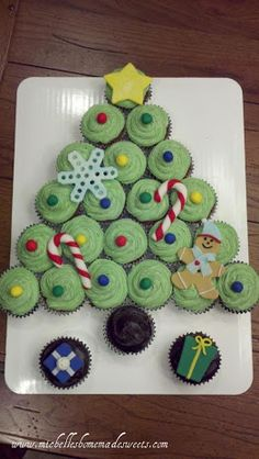 Christmas Tree Cupcake Cake by Michelle's HOMEMADE Sweets