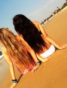 Every brunette must have a blonde best friend. this was us at the beach!! haha love her<3 @Katie Hrubec Juergens