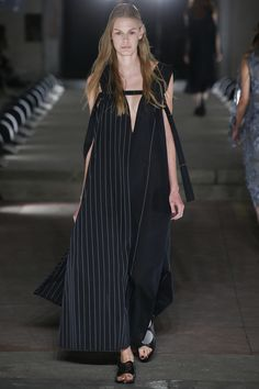 Damir Doma Spring 2016 Ready-to-Wear Collection Photos - Vogue