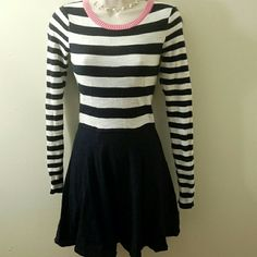 EXPRESS DRESS. Long sleeves express dress. Worn once. Navy blue color. Very comfy. Express Dresses
