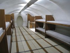 CAT25 Underground shelter, considered to be the 'Four Seasons' of underground shelters!  Wow, this would be the top of the line place!  I wish!