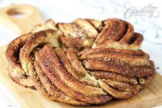 Looks like something good for Christmas. Estonian Kringle - Cinnamon Braid Bread
