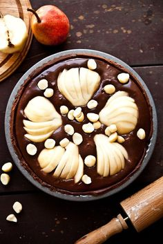 Chocolate-Pear-and-Macadamia-Tart.jpg 567×850 pixels