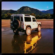 Meu antigo jipe.  My old Land Rover Defender  #landrover #landroverdefender #defender #defender90 #jipe #4x4 #awd #beach #reflection #praia #ubatuba #ubatumirim by mmau25 Meu antigo jipe.  My old Land Rover Defender  #landrover #landroverdefender #defender #defender90 #jipe #4x4 #awd #beach #reflection #praia #ubatuba #ubatumirim