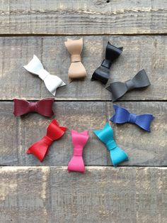 The Isobel Bow Set in Vinyl by RudysCutiesShop on Etsy https://www.etsy.com/listing/479997047/the-isobel-bow-set-in-vinyl