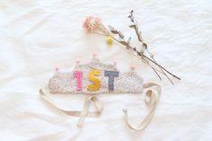[베베리버티] 영국리버티 핸드메이드 MOM & BABY 브랜드.출산선물,신생아선물,아기신발,아기보넷,기저귀파우치등 #베베리버티 네이버샵 백일 돌 왕관 #baby #100days #1st #birthday #party #fabric #crown #DIY #LIBERTY