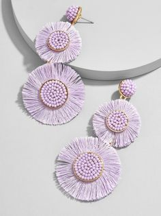 Delicately beaded centerpieces lend flair, while a playful fringe seriously turns up the drama. Did we mention how a colorful palette feels effortlessly on-trend? Trust us - these drop earrings are a must for any jewelry lover. Diy Jewelry, Beaded Jewelry, Jewelery, Jewelry Accessories, Fashion Accessories, Jewelry Design, Fashion Jewelry, Jewelry Making, Jewelry Box