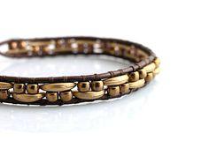 Leather bracelet with crescent beads  http://www.sashe.sk/kacenkag/detail/mesiacikovy-s-kozou