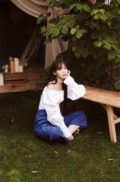 IZONE - Chaewon feet r/kpopfeets #kpopfeets #kpop Kpop Girl Groups, Kpop Girls, Kpop Girl Bands, Fandom, Kim Min, Dream Hair, Female Singers, The Wiz, Sweet Girls