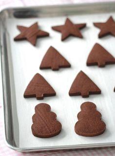 Chocolate Sugar Cookie Recipe {Cut Out Cookies} Chocolate Sugar Cookie Recipe, Sugar Cookies Recipe, Chocolate Cookies, Cookie Recipes, Gingerbread Sugar Cookie Recipe, Chocolate Chocolate, Gingerbread Man, Cut Out Cookies, No Bake Cookies