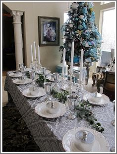 Purple Chocolat Home: A Renaissance Christmas Eve Blue Christmas, Christmas Holidays, Christmas Ideas, Table Setting Inspiration, Christmas Tablescapes, Table Arrangements, Shabby Chic Style, Beautiful Bedrooms, Christmas Traditions