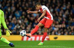 Berita Bola: Arsenal Incar Kylian Mbappe -  https://www.football5star.com/liga-inggris/berita-bola-arsenal-incar-kylian-mbappe/