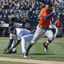 Correa's dribbler boosts Astros over Yanks 5-3 in opener (Yahoo Sports)