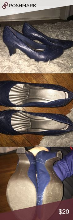 Easy spirit blue heels 3 inch heels, very comfortable to walk in (speaking as someone who doesn't wear heels very often). Worn five times at most -- see the wear on sole. Photo attached to show small rip on left shoe. Easy Spirit Shoes Heels