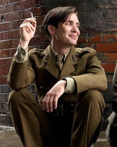 """That Friday feeling… Have a great weekend! · (Cillian Murphy as Wiliam Killic… That Friday feeling… Have a great weekend! · (Cillian Murphy as Wiliam Killick in """"The Edge of Love"""" · 🚬 Peaky Blinders Tom Hardy, Peaky Blinders Tommy Shelby, Peaky Blinders Series, Peaky Blinders Thomas, Cillian Murphy Peaky Blinders, Beautiful Boys, Pretty Boys, Beautiful People, The Edge Of Love"""