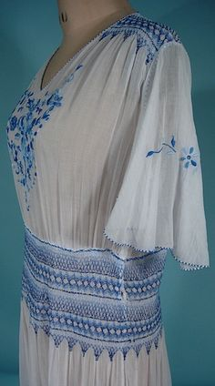 Image from http://www.antiquedress.com/DRESSES/PeasantDressGauzeWhiteBlueupt.jpg.