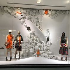 WEBSTA @ eyecon_studio - #windowdisplay #bloomberg #vm #visualmerchandising…