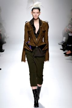 Amazing! Haider Ackermann Fall 2013 RTW - Review - Fashion Week - Runway, Fashion Shows and Collections - Vogue#/collection/runway/fall-2013-rtw/haider-ackermann/22