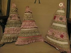 Cute Christmas burlap pillows!