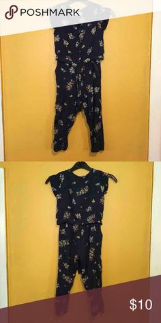 Zara BabyGirl Size 5 Floral Navy Romper In great condition Only Worn Once Floral Navy Romper  Size 5Toddler Other
