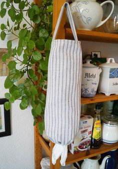 DIY, sewing: Keep you plastic bags organized with a bag dispenser. You can get the free sewing pattern and tutorial at my blog (in english and german)