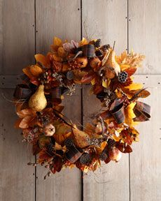 Pretty autumn wreath I would love to make...