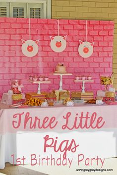 {My Parties} Avery's Three Little Pigs Party. Great way to incorporate a fairy tale into a birthday or classroom party! Farm Birthday, Third Birthday, 3rd Birthday Parties, Birthday Ideas, Pig Baby Shower, Fairytale Party, Pig Party, Three Little Pigs, Party Time